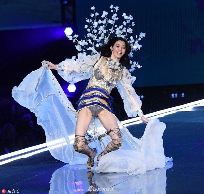 Tuong lai nao cho sieu mau Trung Quoc nga o show Victoria's Secret? hinh anh 1