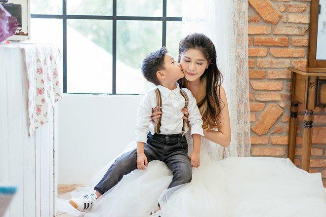 Hot girl Minh Ha, sieu mau Ngoc Quyen xu ly ran da khi mang thai the nao? hinh anh 4
