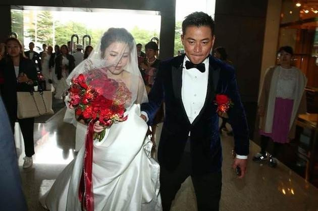 Le cuoi tai tu 'Bao Thanh Thien' gap su co vi vay co dau bi chay hinh anh 3