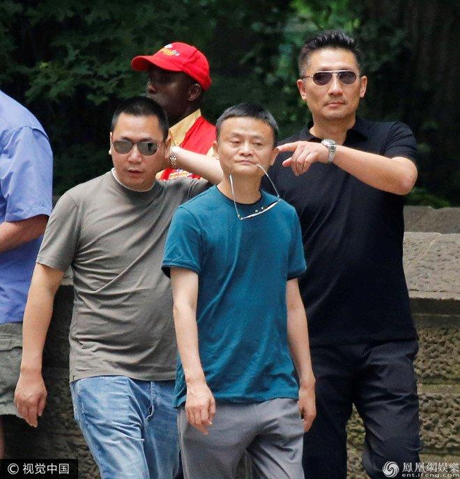 Chong Trieu Vy: 'Toi xuat than cung kho nhung chua tung lam tai xe' hinh anh 2