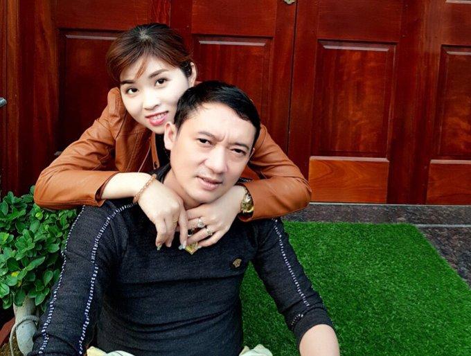 Vo Chien Thang: 'Toi thuong xuyen chuyen tien cho cac vo cu cua chong' hinh anh 2