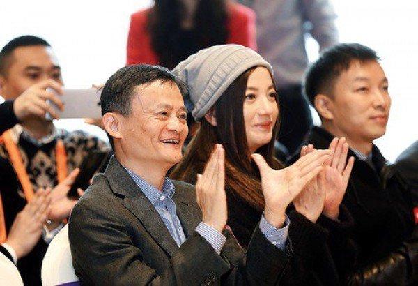 Jack Ma: 'Co ke thao tung chuyen toi va Trieu Vy' hinh anh 2