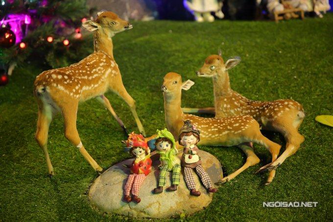 Dam Vinh Hung trang tri biet thu mua Noel hoanh trang khien nhieu nguoi 'choang' hinh anh 20