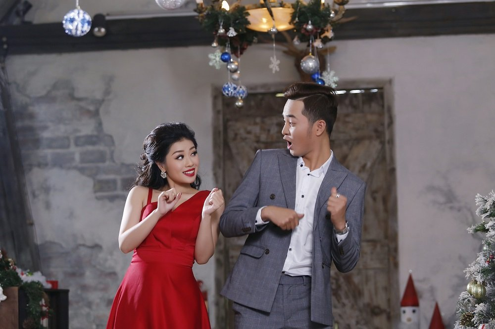 Sao mai Thu Hang viet thu xin ong gia Noel gui den 'mot anh nguoi yeu' hinh anh 2