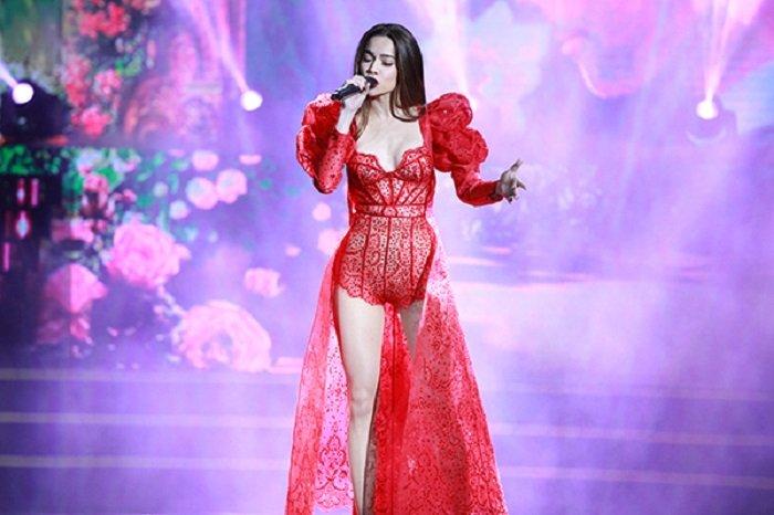 Ho Ngoc Ha dien thiet ke cuc sexy, dot chay san khau dem thi sac dep hinh anh 5