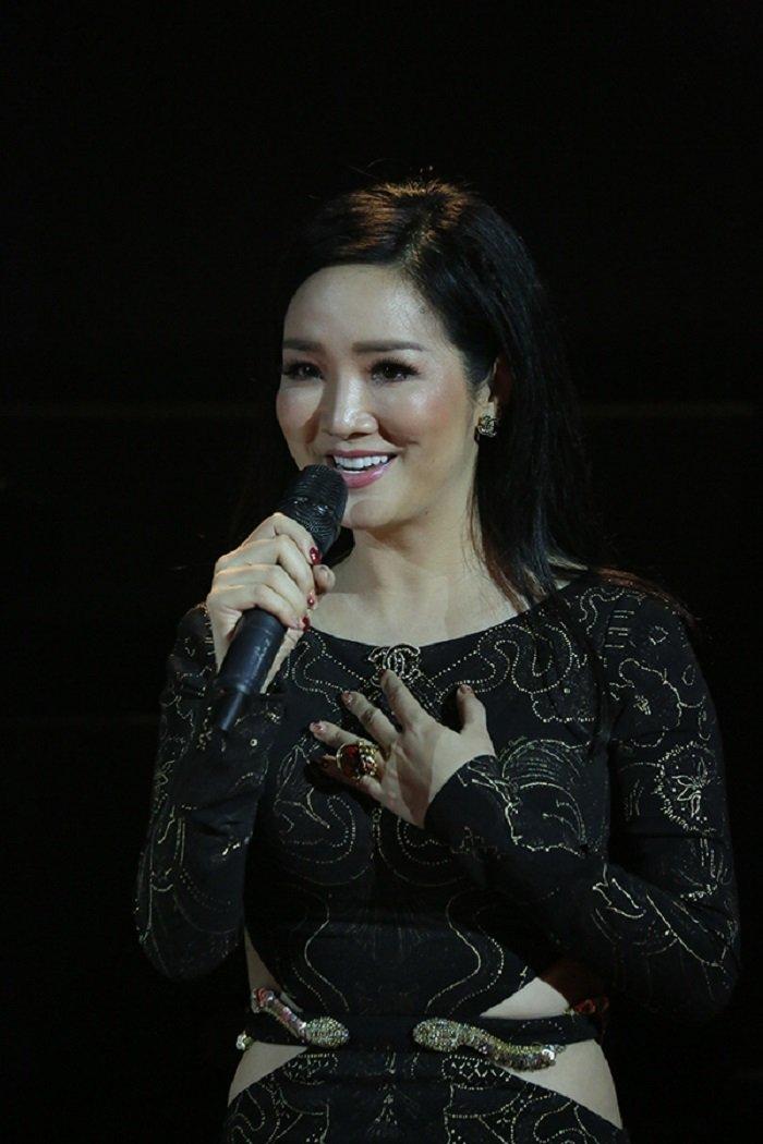 Ho Ngoc Ha dien thiet ke cuc sexy, dot chay san khau dem thi sac dep hinh anh 12