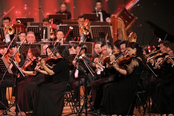 'V-Concert: Hoa nhac nam moi': Dem thang hoa cua am nhac dinh cao, dang cap hinh anh 9