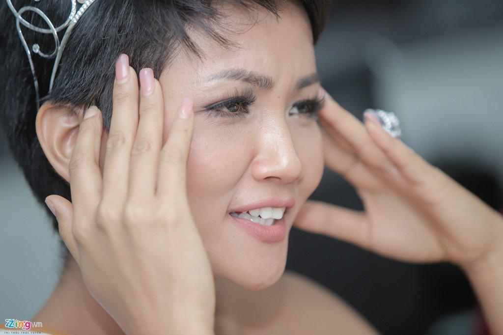 Can canh nhan sac cuon hut cua Hoa hau H'Hen Nie hinh anh 7