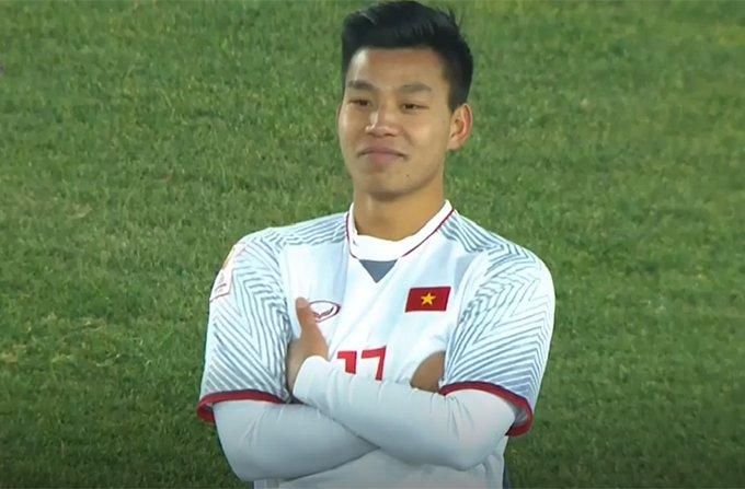 Fan cua Van Thanh 'khung bo' Thanh Van Hugo vi bai tho 'tha thinh' hinh anh 2