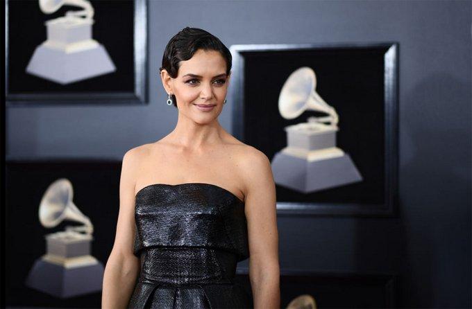 Katie Holmes va ban trai cong khai tinh tu trong tiec Grammy hinh anh 8