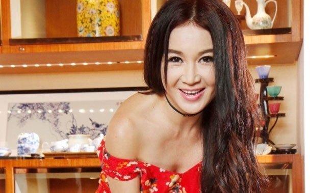 'Phan Kim Lien' On Bich Ha trai long sau ran nut voi chong ty phu hinh anh 1