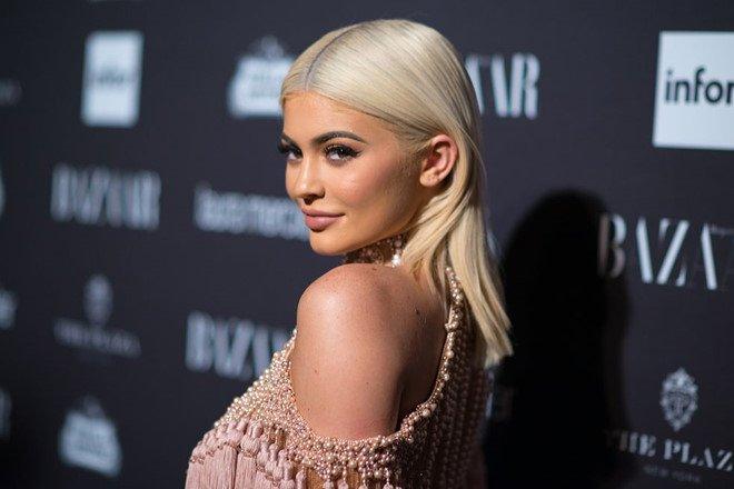 Kylie Jenner lam Snapchat thiet hai 1,5 ty USD vi chi mot cau noi hinh anh 1