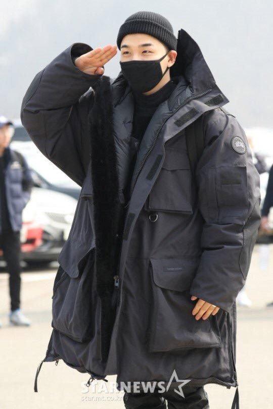 Taeyang (Big Bang) quy goi chia tay fan, len duong nhap ngu hinh anh 2