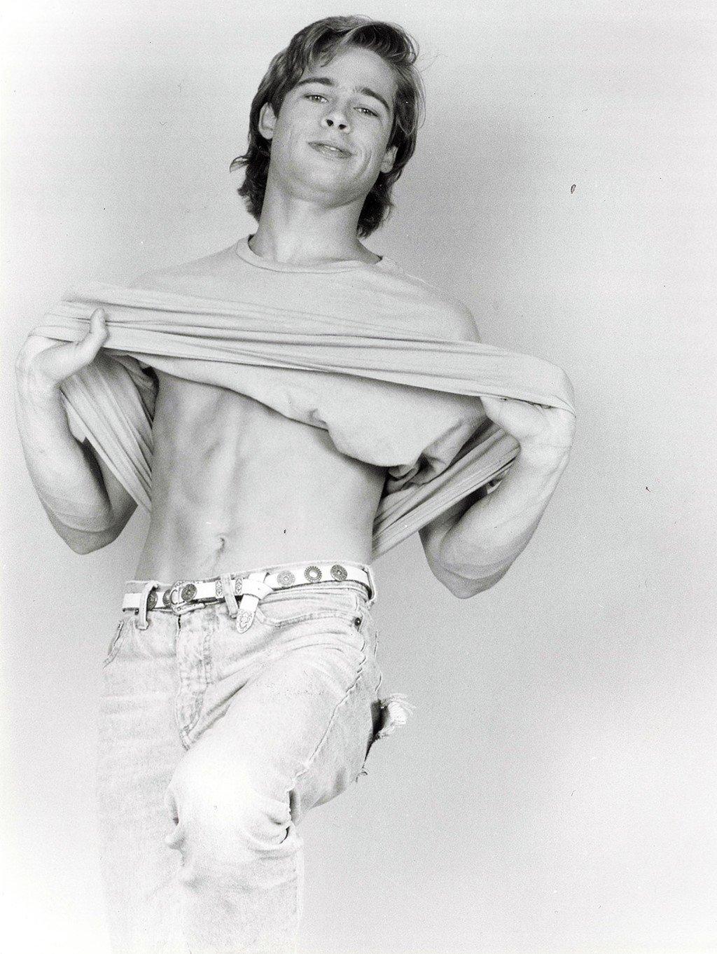 Ve dien trai cua Brad Pitt thoi tre trong bo anh chua tung cong bo hinh anh 10