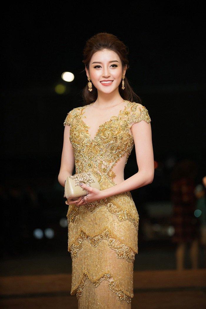 A hau Huyen My - Thanh Tu do ve xinh dep, quyen ru hinh anh 7