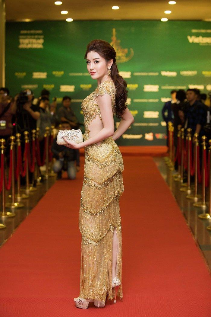 A hau Huyen My - Thanh Tu do ve xinh dep, quyen ru hinh anh 6
