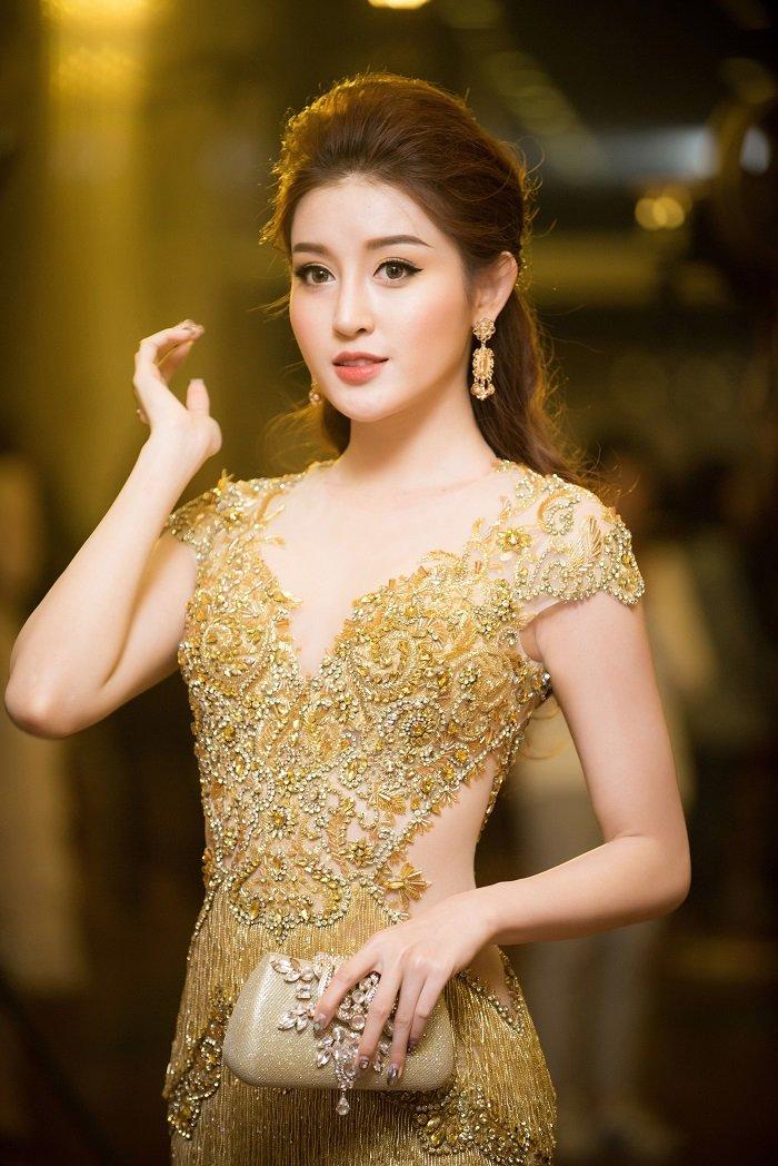 A hau Huyen My - Thanh Tu do ve xinh dep, quyen ru hinh anh 5