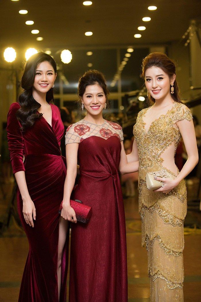 A hau Huyen My - Thanh Tu do ve xinh dep, quyen ru hinh anh 2