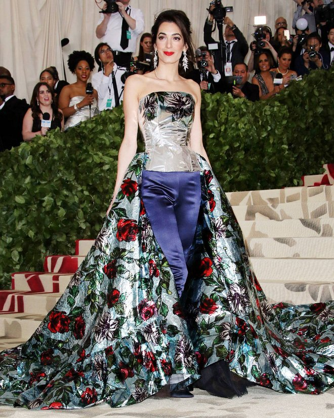 Met Gala 2018: Rihanna mac nhu Giao hoang khien dan tinh phuc sat dat hinh anh 9