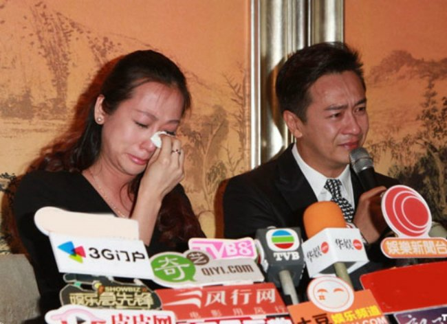 Ung xu cua 2 tai tu Hong Kong khi dinh scandal ga tinh, quay roi tinh duc hinh anh 2