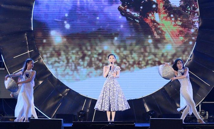 Toc Tien, Dong Nhi, Duc Phuc chung tay vi mot 'Bien Viet Nam xanh' hinh anh 2