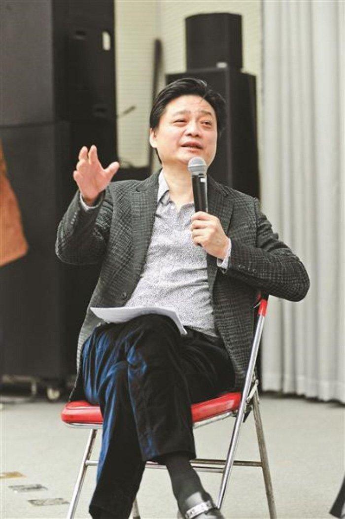 Pham Bang Bang: Tu 'hop dong ma' trieu USD den bi mat showbiz? hinh anh 2