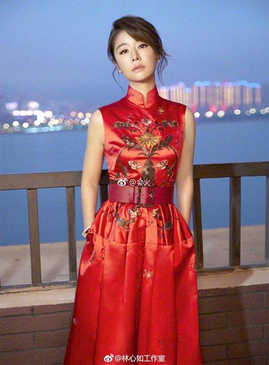 Lam Tam Nhu len tieng khi bi che 'dong ma khong can hoa trang' hinh anh 1