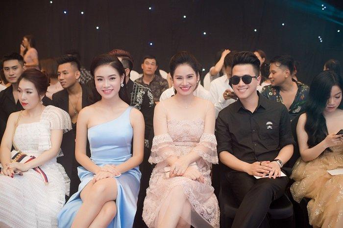 Phung Bao Ngoc Van mac vay xe goi cam chuc mung NTK Ha Duy hinh anh 6