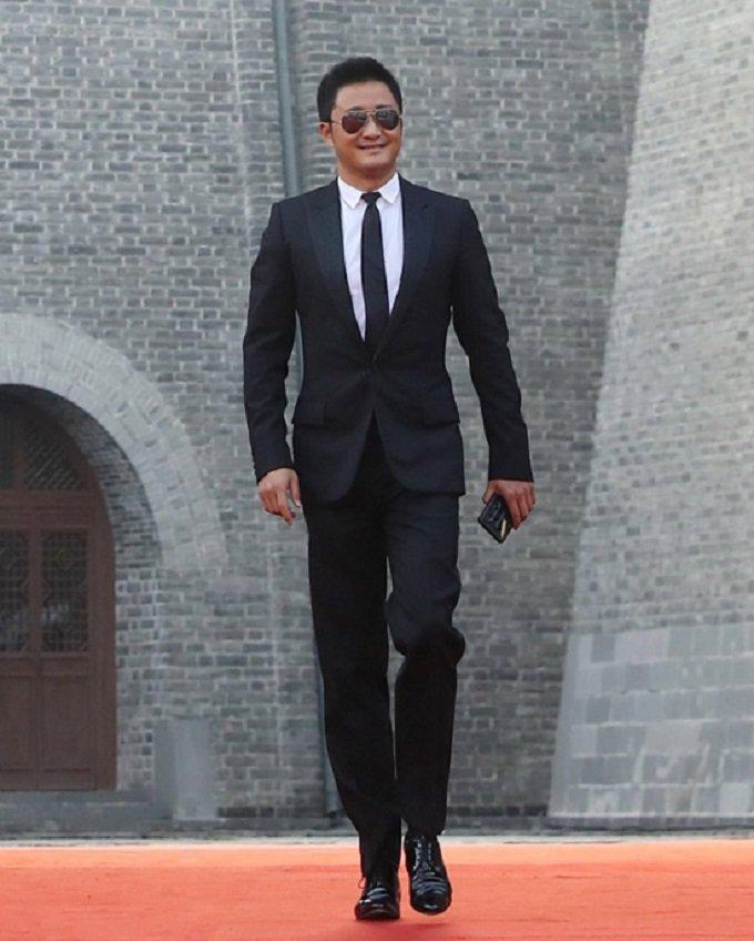 Thanh Long gay an tuong khi du day tu truc thang xuong mat dat hinh anh 9