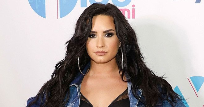 Demi Lovato va dam ban tu tap thau dem truoc khi soc thuoc hinh anh 1
