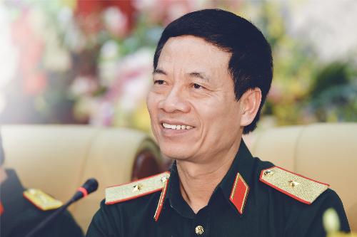 Quyen Bo truong TTTT Nguyen Manh Hung kiem Pho ban Tuyen giao Trung uong hinh anh 1