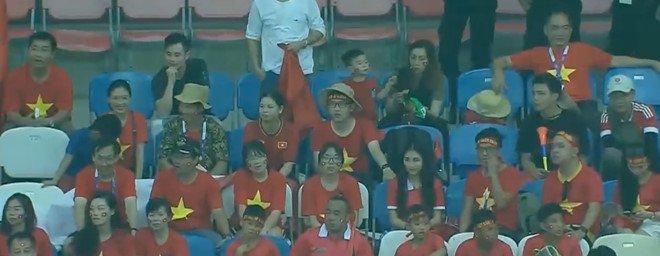 Hoa Minzy len tieng truoc on ao sang Indonesia co vu Cong Phuong hinh anh 1