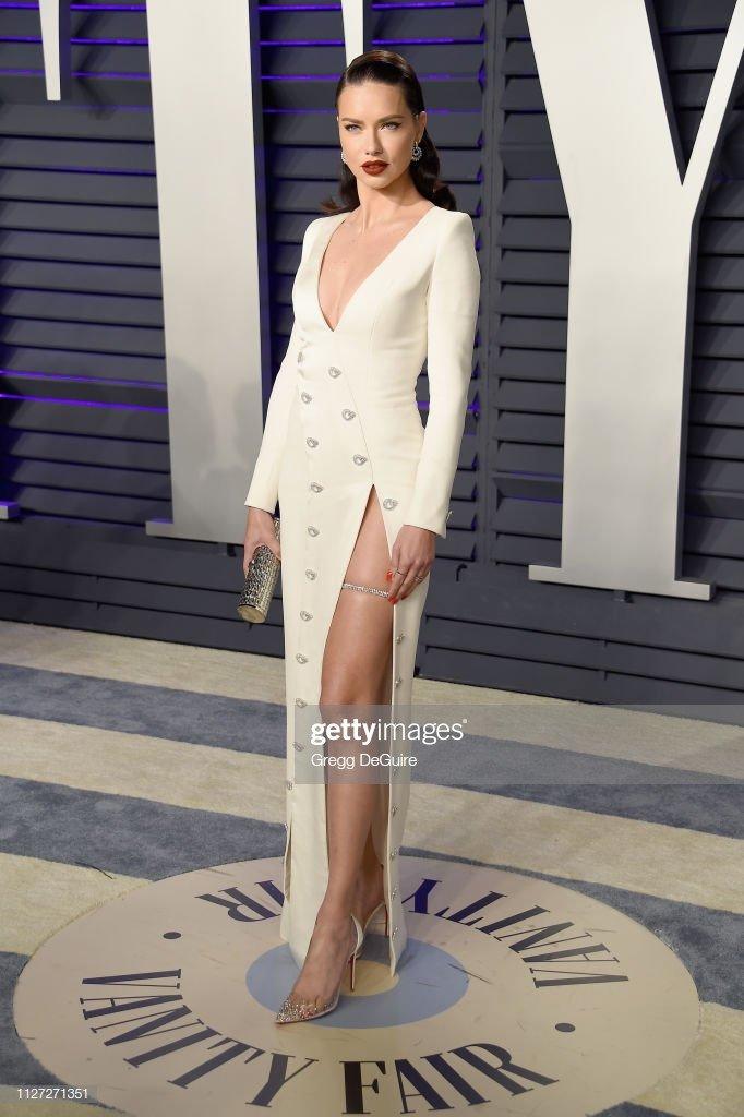 Sieu mau Kendall Jenner mac ho gay soc o tiec hau Oscar 2019 hinh anh 9