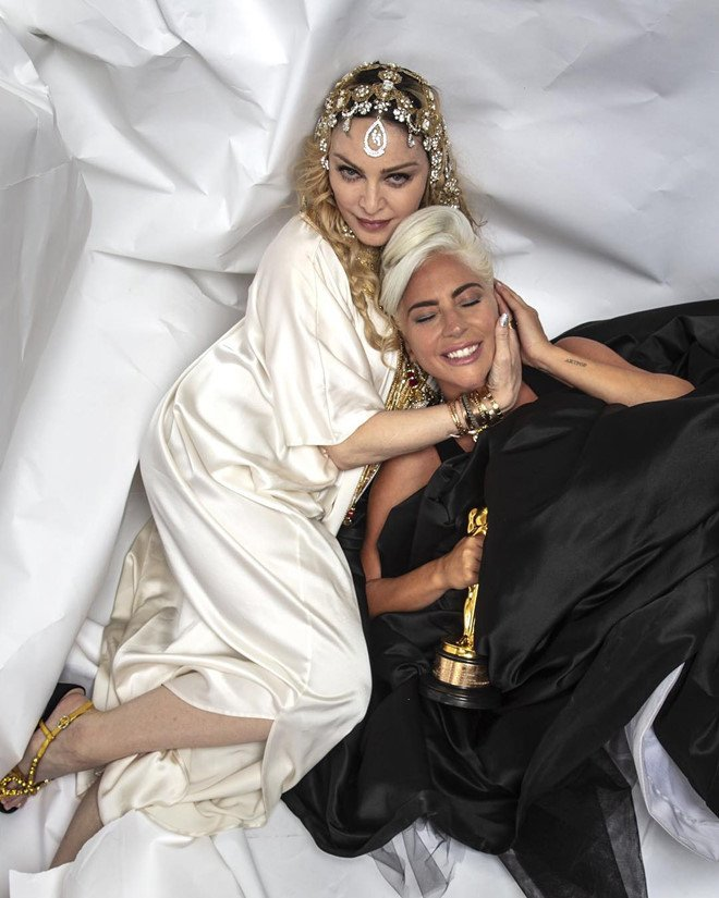 Madonna va Lady Gaga om ap nhau, xoa bo han thu sau 10 nam hinh anh 1