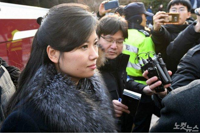 Nhan sac xinh dep cua nu ca si thap tung ong Kim Jong-un den Ha Noi hinh anh 5