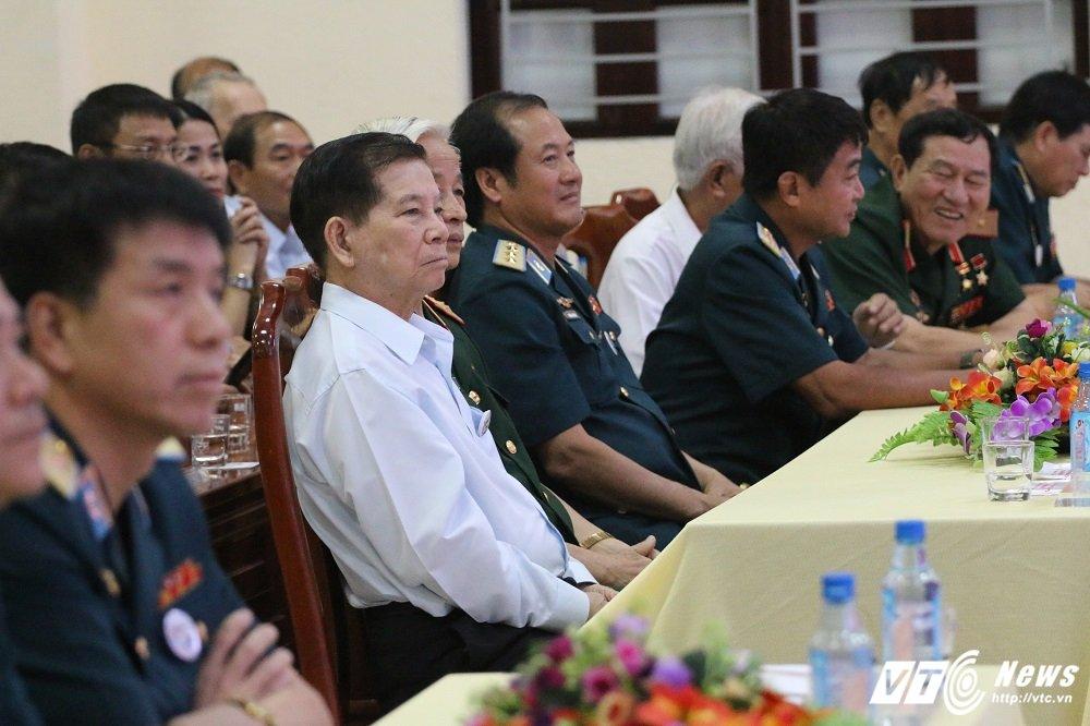 Tran Dien Bien Phu tren khong, Trung tuong Tran Hanh: Bom B52 nem xuong thanh tam tham ruc chay Thu do hinh anh 2