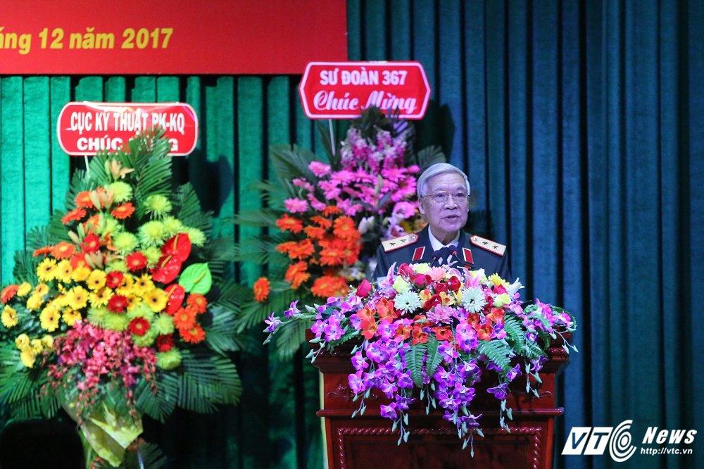 Tran Dien Bien Phu tren khong, Trung tuong Tran Hanh: Bom B52 nem xuong thanh tam tham ruc chay Thu do hinh anh 1