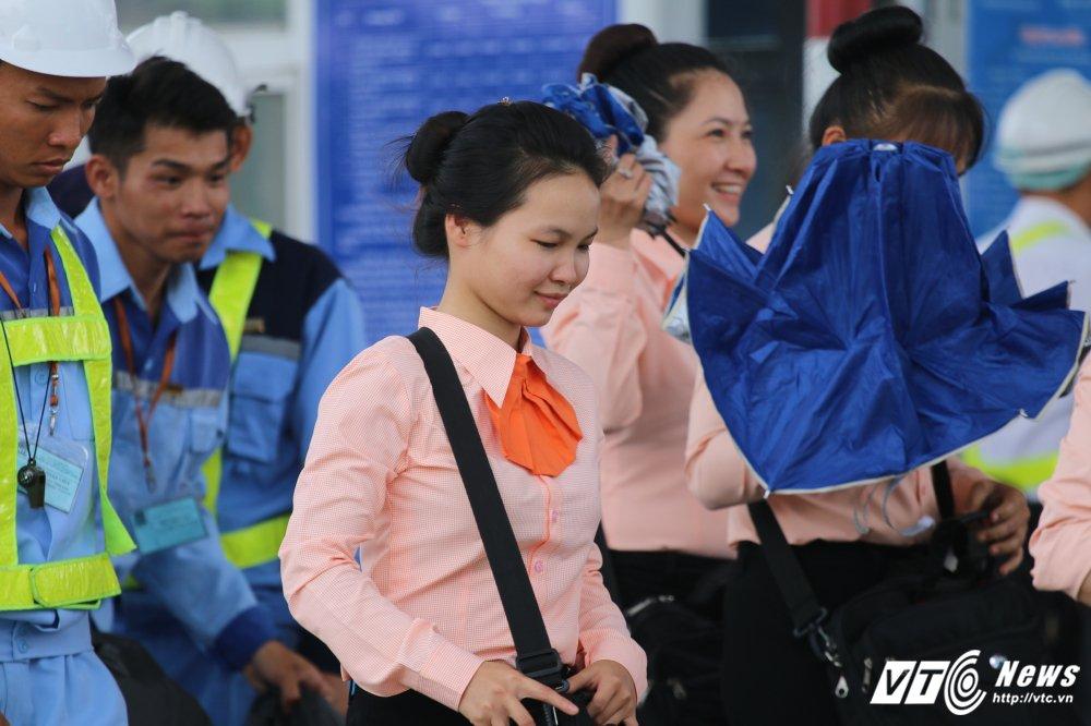 Anh: Nhan vien BOT Cai Lay cuoi rang ro khi xa tram hinh anh 3