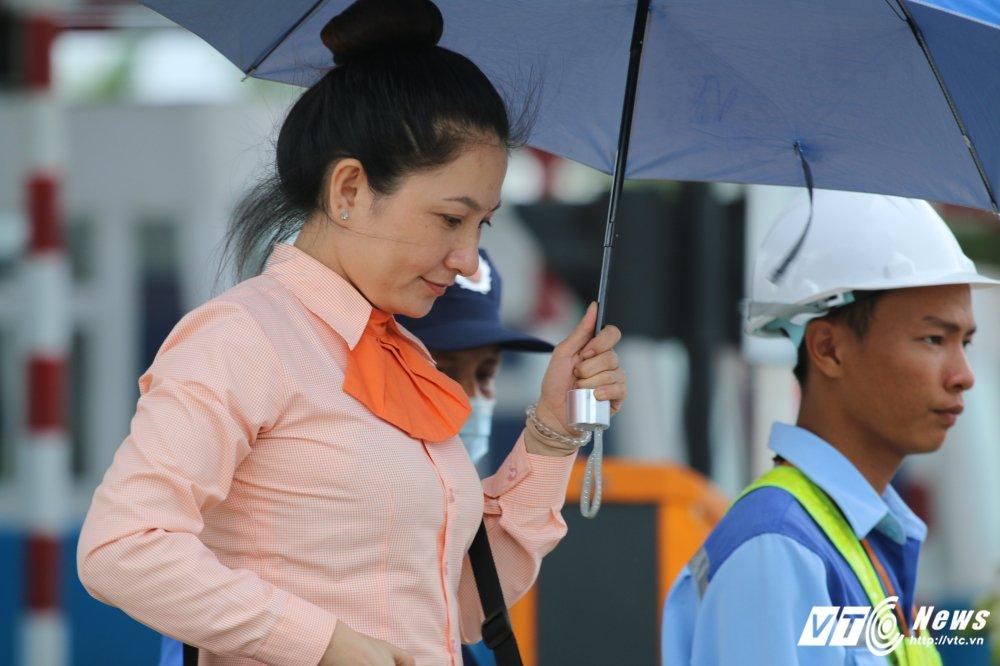 Anh: Nhan vien BOT Cai Lay cuoi rang ro khi xa tram hinh anh 2