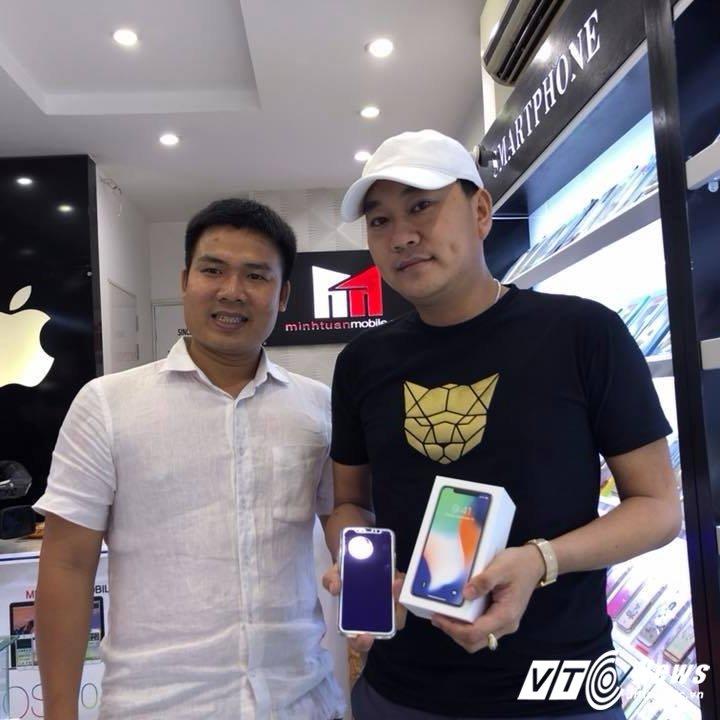 Chuyen it biet ve nguoi dua nhung chiec iPhone X, iPhone 7 dau tien ve Viet Nam hinh anh 3