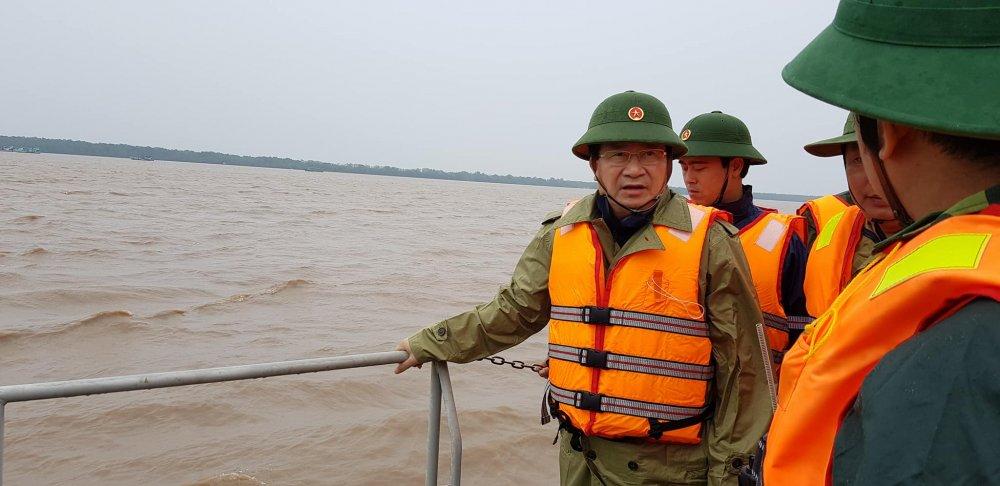 Phó Thủ tuóng Trịnh Dình Dũng thị sát vung tam bao so 16 do bo hinh anh 1