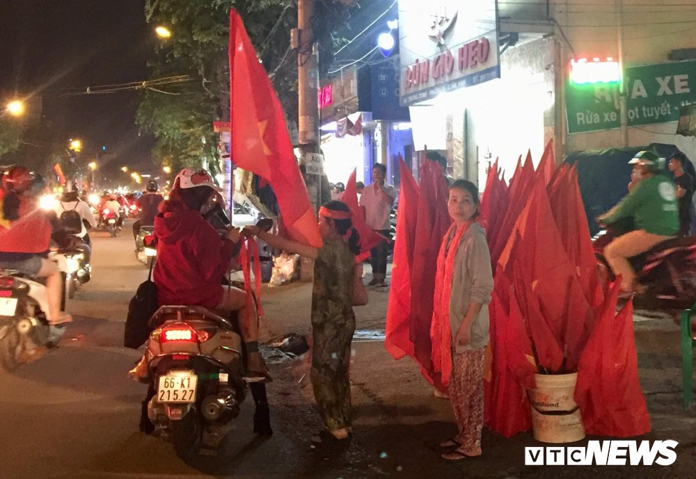 U23 Viet Nam vao chung ket, dan buon ban kiem bon tien hinh anh 6