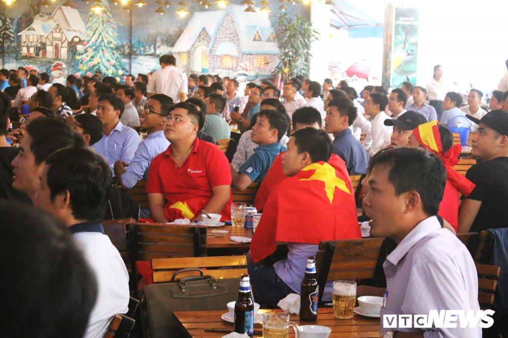 U23 Viet Nam vao chung ket, dan buon ban kiem bon tien hinh anh 12