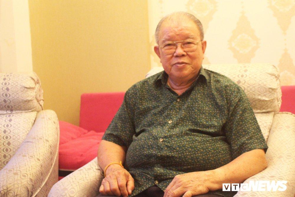 GS Vo Tong Xuan: 'Tet co the di du lich, khong nhat thiet phai ve sum vay ben gia dinh' hinh anh 1