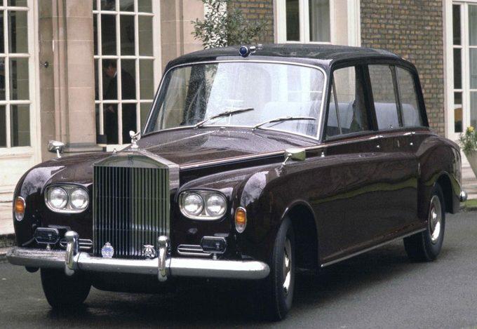 Hoang gia Anh rao ban 8 chiec Rolls-Royce hinh anh 8