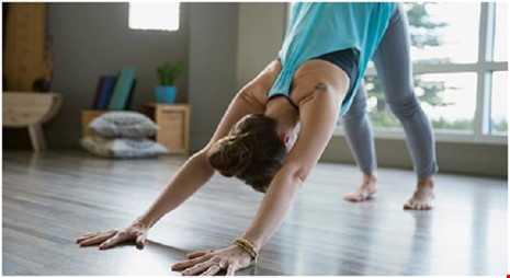 Hoc 6 dong tac yoga tot cho chuyen 'yeu' hinh anh 4
