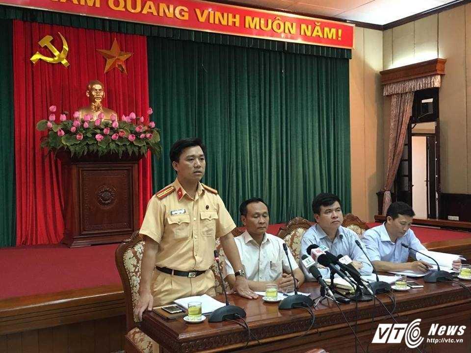Hop bao Thanh uy Ha Noi: Khong co noi dung phong vien bi canh sat 'gat tay vao ma' hinh anh 1