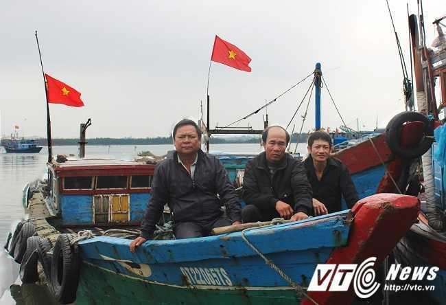Khoanh khac linh Trung Quoc xa dan vao chien sy vay quanh la co tren dao Gac Ma hinh anh 7