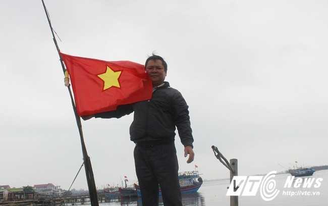 Khoanh khac linh Trung Quoc xa dan vao chien sy vay quanh la co tren dao Gac Ma hinh anh 6