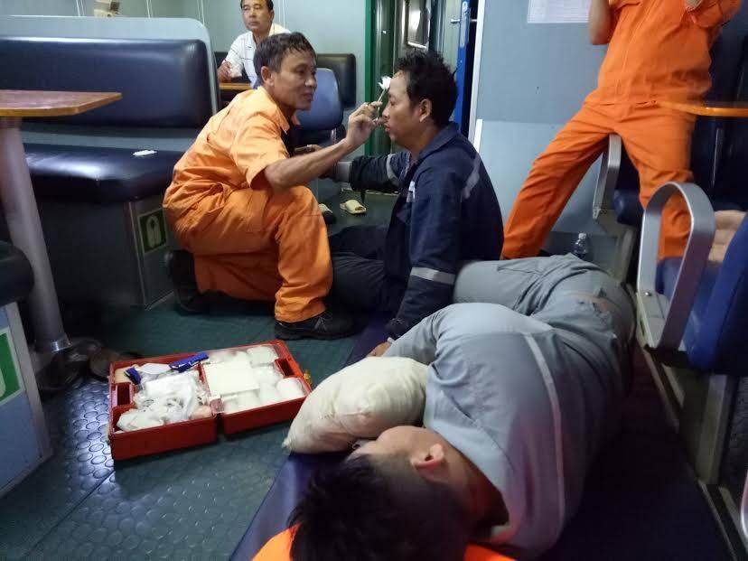 Chim tau Hai Thanh 26, 9 nguoi mat tich: Tim thay mot thi the thuyen vien hinh anh 1